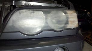BMW X5 Before using ez4u2 headlight restoration kit